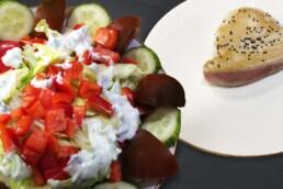 Sanguinum Abnehmrezept: Leicht angebratener Thunfisch mit Salatbeilage