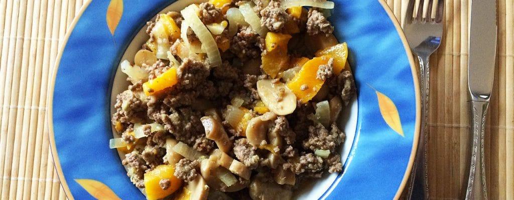 Angies Sanguinum Rezept: Rindergehacktes mit Gemüse und Obst