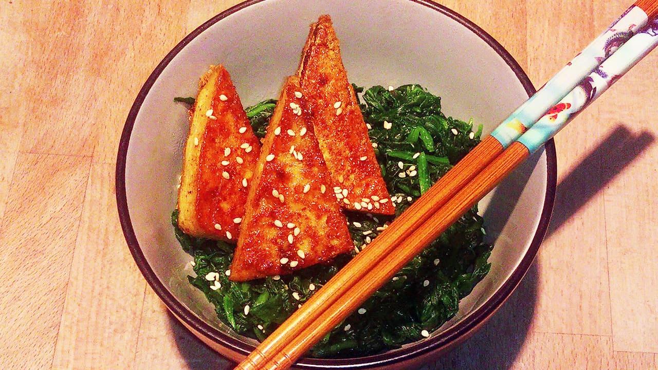 gebratener tofu mit blattspinat sanguinum rezepte. Black Bedroom Furniture Sets. Home Design Ideas