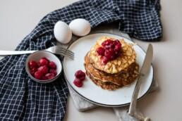 Super einfache Low Carb Protein Pancakes mit Himbeeren 2